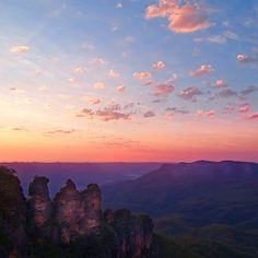The Blue Mountains in New South Wales. 16 Breathtaking Places In Australia You Won't Believe Are Real