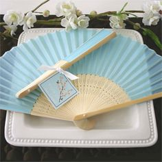 Hey, j'ai trouvé ce super article sur Etsy, chez http://www.etsy.com/fr/listing/155237127/blue-silk-fans-diy-wedding-supply-100