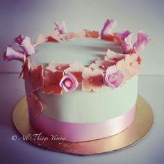Floral Cake Decor - Mint Green Fondant Cake with Orange and Pink Sugar Flowers Decor   All Things Yummy #cake #sugarflowers #hydrangea #roses #birthdaycake #pretty #weddingcake #wedmegood #elegant #customisedcake #designercake #atyummy #cake #cakelove #vintage #pastel #peach #pink #mint #chocolatecake #party