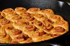 Mini-Croissant-Zimtschnecken aus der Gusspfanne / Cinnamon Rolls