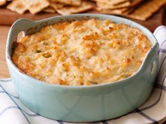 Dip Hot Crab Dip (Paula Deen) I was told by a friend that this is delicious.Hot Crab Dip (Paula Deen) I was told by a friend that this is delicious. Crab Dip Recipes, Seafood Recipes, Seafood Dip, Seafood Casserole Recipes, Shrimp Dip, Seafood Platter, Quick Recipes, Meat Recipes, Yummy Appetizers