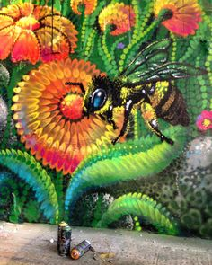 Фестиваль #Четрапромарт . Детали) пчела) / details.  Chetrapromart graffiti festival  my bee) #bozik #bozikart #bee #arton #артон #flower by bozik_art