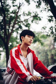 WinWin has beautiful predebut pics omg Taeyong, Jaehyun, Nct Winwin, Seventeen Wonwoo, Boy Photography Poses, Boys Life, Wattpad, King Of Hearts, Darling In The Franxx