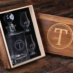 Personalized Whiskey Decanter with Round Bottle Lid, 2 Whiskey Sniffers and Wood Box