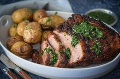 This simple and traditional roast beef recipe is fit for any occasion. Gremolata may sound fancy, but it's a simple, quick and easy herb condiment that is fantastic with the flavoursome, savoury crust on the outside of the beef. Roast Beef Recipes, Meat Recipes, Cooking Recipes, Weber Recipes, Cooking Time, Weber Bbq, Yummy Food, Stuffed Peppers