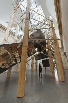 Phyllida Barlow: dock 2014. J Fernandes, Tate Photography. - See more at: http://www.aestheticamagazine.com/blog/phyllida-barlow-dock-2014-tate-britain/#sthash.Sr2doZWW.dpuf
