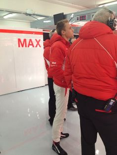 Max Chilton waiting for the start on the 2nd day of testing in Barcelona