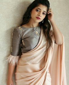 New Blouse Designs 2020 – Trendy Blouse Design Images For 2020 New year brings us new fashion trends & styles to anticipate, including new blouse designs! Here are the latest blouse designs for 2020 you should check out! Saree Blouse Neck Designs, Stylish Blouse Design, Fancy Blouse Designs, Indian Style, Mix Match, Sari Bluse, Indische Sarees, Bollywood, Designer Blouse Patterns