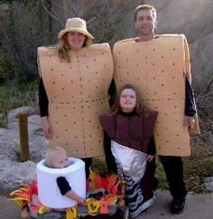 DIY Halloween Costume S'mores Family: Two Graham Crackers, Chocolate Bar, Marshmallow and Fire Costume Halloween, Homemade Halloween Costumes, Theme Halloween, Holidays Halloween, Halloween Crafts, Happy Halloween, Zombie Costumes, Halloween Clothes, Halloween Couples