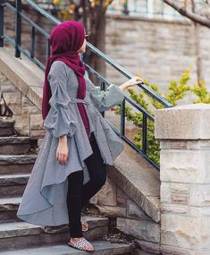 27 Casual Casual Style Outfits To Wear Now - hijab for little girl - Modern Hijab Fashion, Street Hijab Fashion, Islamic Fashion, Muslim Fashion, Modest Fashion, Look Fashion, Fashion Dresses, Fashion Muslimah, Abaya Fashion