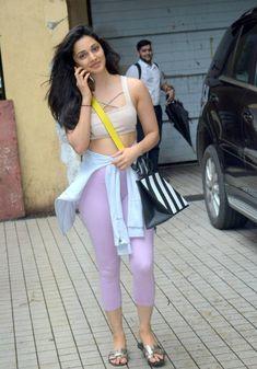 Indian Girl Kiara Advani Without Makeup Real Face TV actress Photographs TV ACTRESS PHOTOGRAPHS | IN.PINTEREST.COM #ENTERTAINMENT #EDUCRATSWEB