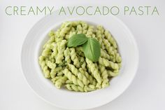 Creamy Avocado Pasta | Summer is coming! Summer is coming! And I'm on the move to find light, healthy, and tasty dishes that make use of all the produce that summer has got to offer. After browsing on Pinterest, I came across a Creamy Avocado Pasta recipe by Oh She Glows that I just HAD to make. Here is my version of this delectable pasta. | From: thesassylife.com