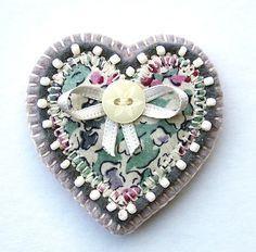 felt heart brooch
