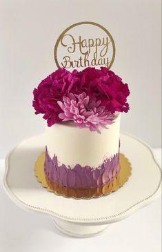 Cake Decorating Designs, Cake Decorating Techniques, Cake Decorating Tutorials, 60th Birthday Cakes, Happy Birthday Cake Topper, Beautiful Cake Designs, Beautiful Cakes, Fresh Flower Cake, Beautiful Birthday Cakes
