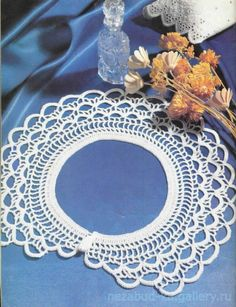 Gallery.ru / Фото #11 - Воротнички - nezabud-ka Crochet Chart, Love Crochet, Hand Crochet, Crochet Lace Collar, Doilies Crafts, Crochet Jewelry Patterns, Love Is Free, Crochet Fashion, Wool Yarn