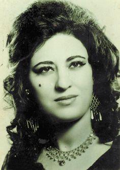 The grand Kurdish Trubador. Folklorvan û dengbêja granbuha ya serdemê Ayshe Shan (1938 Amed - 18-12-1996 Îzmîr)