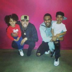 😍Trey Songz n Chris Brown love there fanz❤️ Gorgeous Black Men, Beautiful Black Babies, Handsome Black Men, Black Love, Celebrity Kids, Celebrity Look, Cris Brown, Chris Brown Wallpaper, Breezy Chris Brown
