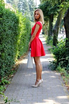Best How To Wear Red Heels Classy Street Styles 44 Ideas Sexy Outfits, Sexy Dresses, Cute Dresses, Beautiful Legs, Gorgeous Women, Beautiful Pictures, Fashion Mode, Fashion Beauty, Classy Street Style