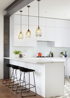 flat in West Hampstead, London, England by RISE Design Studio transformed a dark space in a century mansion into a daylight-filled open-plan modern apartment. New Kitchen, Kitchen Dining, Küchen Design, House Design, Design Studio, Metal Beam, Interior Decorating, Interior Design, Home Kitchens