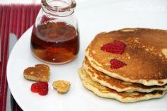 Tortitas americanas con fresas - MundoRecetas.com