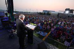 Franklin Graham added a new photo. Franklin Graham, America, Concert, Concerts