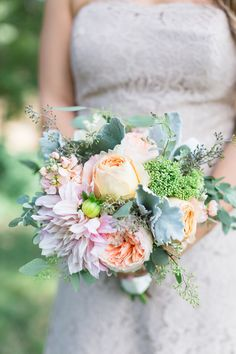 Bouquet Peach and Light Pink | White-Ranch-Wedding-Photographer-Chico-California-TréCreative