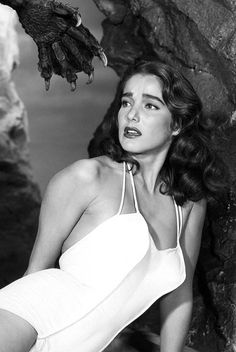 Horror Society: Exclusive Interview With Julie Adams, Star Of Creature from the Black Lagoon!   www.horrorsociety.com