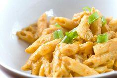 Pasta con pollo a la crema de curry
