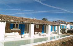 Resultado de imagem para casas de turismo em vila