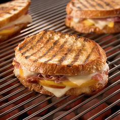 Fresh peaches, thinly sliced prosciutto and melted cheese make this grilled sandwich the best summer meal. Grilled Sandwich, Soup And Sandwich, Sandwich Recipes, Brie Sandwich, Grilled Ham, Steak Sandwiches, Grilled Cheese Recipes, Grilled Cheeses, Tacos