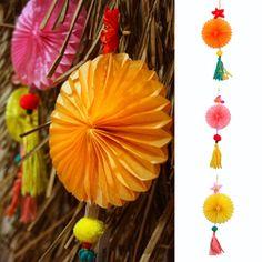 Zomerfeest!! Our paper decoration #summervibes#summerdecor#summerparty#eventdecor#decordetails#othmardecorations