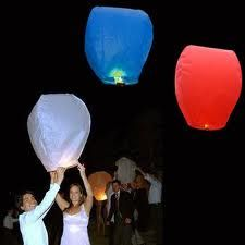 A pretty spectacular way to celebrate the 4th of July! Send these red, white and blue Wishlanterns off into the nightsky and make it a night to remember :) #Birando #IndependenceDay
