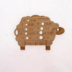 Sheep Knitting Needle Gauge  bamboo от Girlontherocks на Etsy, $10.00