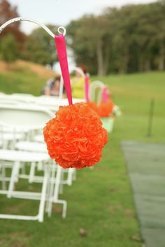Tissue poms to line the aisle