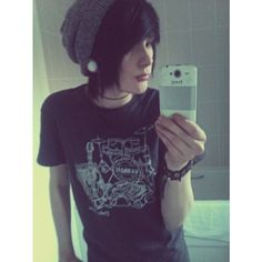 Scene/Emo Boys <3 ❤ liked on Polyvore featuring people, boys, hair, guys and pictures