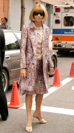 Here's Anna Wintour improving the looks of New York City.