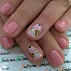 The advantage of the gel is that it allows you to enjoy your French manicure for a long time. There are four different ways to make a French manicure on gel nails. Cute Pink Nails, Fancy Nails, Short Nail Designs, Toe Nail Designs, Shellac Nails, Nail Manicure, Toe Nail Art, Toe Nails, Modern Nails