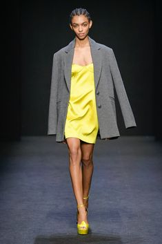 Milano Moda Donna A/I 2021 - 18/24 Febbraio 2020 • MMD Dress Outfits, Cool Outfits, Summer Outfits, Fashion Lookbook, Fashion Trends, Fashion Ideas, Matching Outfits, Matching Clothes, Girl Fashion