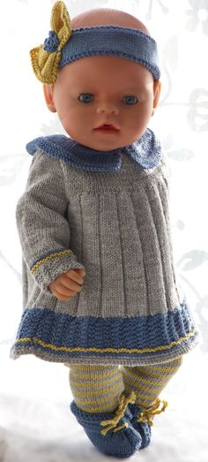 American doll knit patterns - An outfit especially for your doll, created in France Sewing Doll Clothes, Crochet Doll Clothes, Sewing Dolls, Knitted Dolls, Crochet Dolls, Crochet Hats, Child Doll, Baby Dolls, Baby Born Kleidung