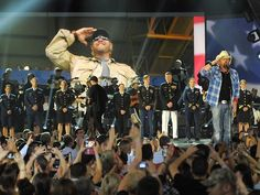 Toby Keith to be honored during 'ACM Presents: An All-Star Salute to the Troops' on CBS