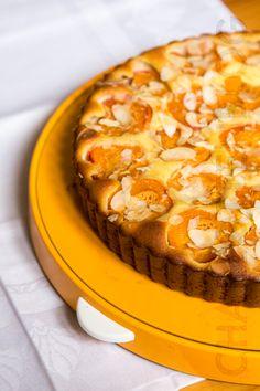 CharlottenBlog: Unverschämt einfach: Aprikosen-Mandel-Tarte ohne Boden