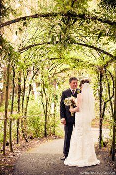 roadhouse wedding  | wedding at cornelius pass roadhouse