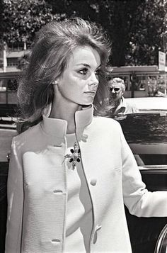 Jean Shrimpton arrives in Sydney to attend Melbourne Cup Week at Flemington Racecourse in Melbourne, 1965