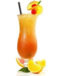 One of the most popular cocktails is Sex on the Beach. With this recipe you can . - - One of the most popular cocktails is Sex on the Beach. With this recipe you can easily mix the fruity drink yourself. Beach Cocktails, Cocktail Drinks, Cocktail Recipes, Cocktail Garnish, Vodka Cocktails, On The Beach, Most Popular Cocktails, Plus Populaire, Recipes