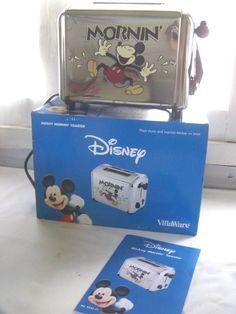 New In Box Disney Mickey Mouse Villaware Toaster Musical #VillaWare