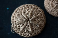 Crochet sand dollar button -- bullion stitch?