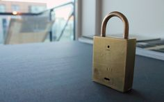 6 minute breather. Take the lock with you outside when you need a break. Breathing into it will heat it up and turn on a pulsating light for 6 minutes. Then it turns off, and you go inside again. Brass, humidity sensor, peltier element and LED.