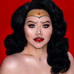 Ideas for wonder woman pop art makeup Wonder Woman Makeup, Wonder Woman Comic, Wonder Women, Pop Art Makeup, Fx Makeup, Makeup Geek, Maquillage Wonder Woman, Superhero Makeup, Comic Book Makeup