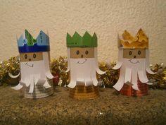 O mundo é das crianças: Dia de Reis                                                                                                                                                                                 Mais Activities To Do With Toddlers, Art Activities, Man Crafts, Bible Crafts, Art For Kids, Crafts For Kids, Arts And Crafts, Christmas Time, Christmas Crafts