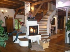Ofen Weiss - Stiegenofen, Stiegenöfen Home Building Tips, Building Design, Building A House, Cordwood Homes, Stair Shelves, Rammed Earth Homes, Bamboo House Design, Earthship Home, Brick Masonry